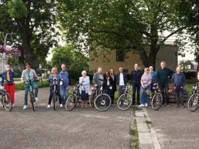 Uitreiking acht elektrische fietsen aan winnaars voorjaarsactie